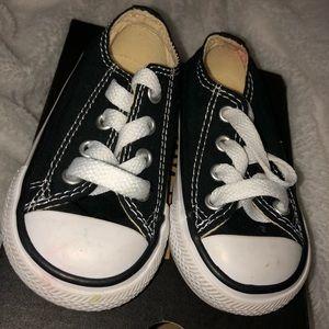 Infant Converse size 4